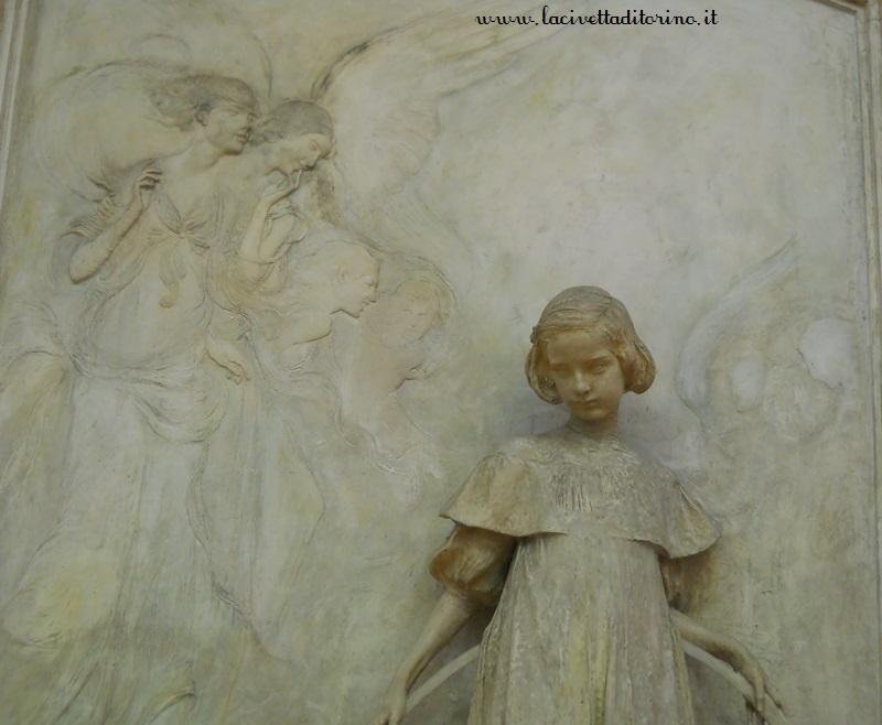 monumento-laura-vigo-canonica