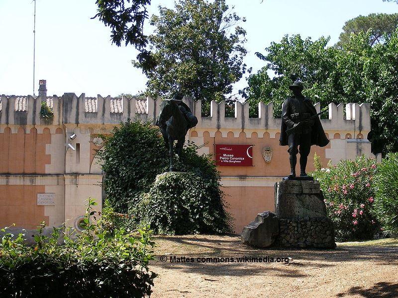 L'ingresso al Museo Pietro Canonica