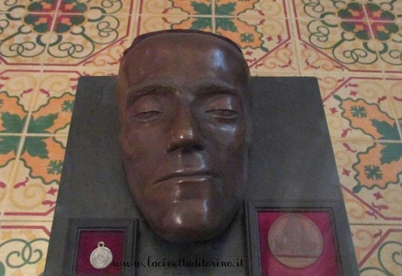 Maschera mortuaria di Carlo Alberto, fine XIX secolo.