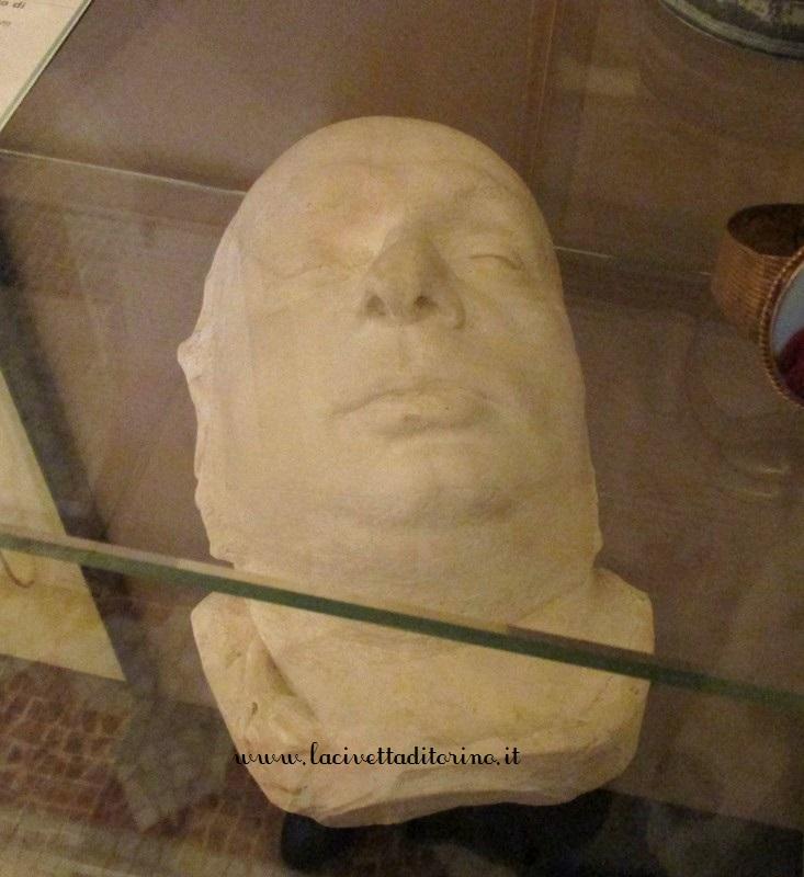 Sala 27, maschera mortuaria Cavour dal calco Pellegrini, 1861.
