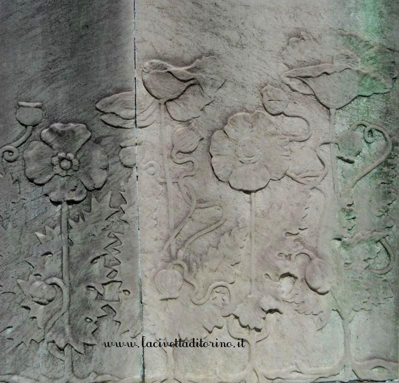 Papaveri, particolare del Cimitero Monumentale di Torino