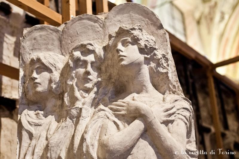 Davide Calandra, Modello in gesso per il monumento Casana nel Cimitero Monumentale di Torino. Particolare degli angeli oranti verso destra, 1909.