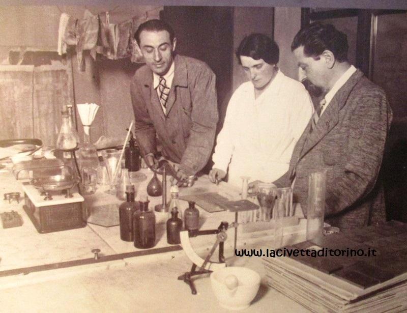 La restauratrice Erminia Caudana nel suo laboratorio.