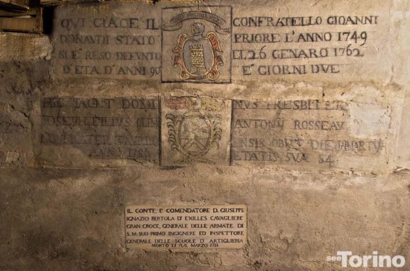La tomba di Giuseppe Bertola è l'ultima in basso. Photo by SeeTorino