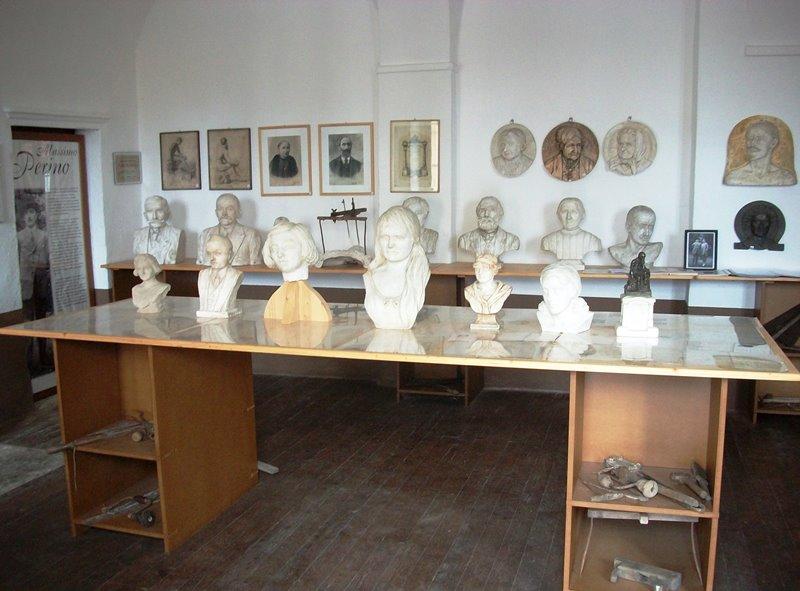 Una sala della Gipsoteca Perino.
