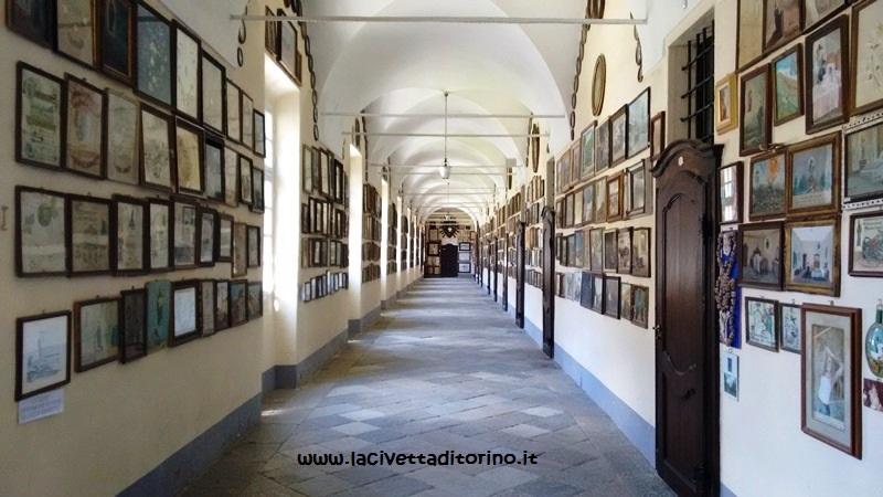 Le due gallerie degli ex voto sono una delle curiosità del Santuario di Oropa