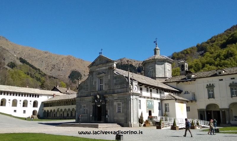 La Basilica Antica, dov'è conservata la statua della Madonna Nera